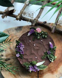 . - design cake - - #앙금플라워 #플라워케이크 #플라워케이크클래스 #꽃케이크 #로데케이크 #오페라케이크 #떡케이크 #koreanflowercake #flowercake #flower #cakedesign #flowercakeclass #handmade #specialcake #beanpasteflowercake #초코 #わだかまりフラワーケーキ #淀粉花蛋糕 #生日蛋糕 #ケーキ