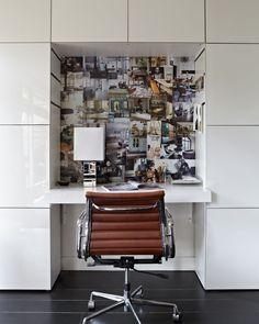 Office desk - photography Alexander van Berge - VT Wonen. Met hoogglanskastjes 60 x 60 van Ikea een perfecte werkhoek voor in de hal.