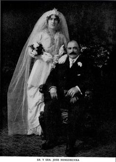 Wedding picture of Jose Bengoechea and Margarita Nachiando (c.1912)