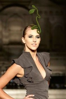 Salvatore Salamone Runway Avant Garde Leaf Fascinator Hat Head Accessory in Green Fascinator Hats, Fascinators, Anna Piaggi, Backhanded Compliment, Isabella Blow, Head Pieces, Head Accessories, Headdress, Burlesque