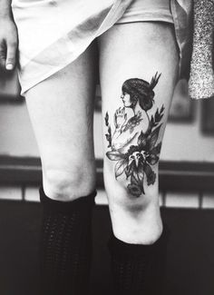Sexy Thigh tattoo designs and ideas for girls (10)