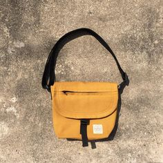 New Mustard Basic Messenger Canvas Bag / everyday bag / New Mustard Basic Messenger Canvas Bag / everyday bag / travel /weekend – underlinebags &more – Messenger Bags & Sling Bags Clutch Bag, Crossbody Bag, Backpack Bags, Tote Bag, Everyday Bag, Bag Organization, Small Bags, Retro, Mini Bag