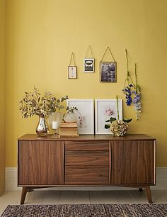Guide To Discount Bedroom Furniture. Bedroom furnishings encompasses providing products such as chest of drawers, daybeds, fashion jewelry chests, headboards, highboys and night stands. Paint Colors For Living Room, Room Colors, Discount Bedroom Furniture, Decoration Entree, Vejle, Yellow Interior, Yellow Walls, Yellow Kitchen Walls, Home And Deco
