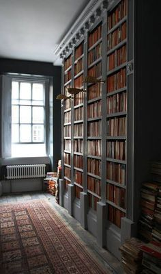 Beautiful Custom Bookcases | Content in a Cottage