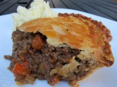 Beef and Onion Pie. A British classic, according to Jamie Oliver. He is my favorite British chef. This is definitely comfort food. It is also pretty inexpensive to make. Mary Berry, Pie Recipes, Cooking Recipes, Curry Recipes, Dinner Recipes, Quiche Recipes, Pastry Recipes, Onion Pie, Beef Pies