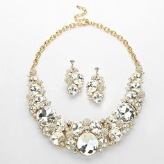 ROUND CLUSTER NECKLACE SET $50 Price Includes Earrings ----------  #WeddingJewelry #EastCoastOccasions #TheWeddingBoutique #Affordable #Timeless #Elegant #WeddingParty #Bridesmaids #BridalCollection #ElegantNecklace #BridalNecklace#BridesmaidsNecklace #Necklace #WeddingGuests #BridalJewelry EastCoastOccasions.com