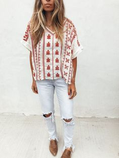 Bohemian Embroidery outfit ideas for spring and summer - Embroidery boho pattern detailed short slv slight oversized Tunic Top True to size semi sheer not revealing dry clean only Spring Summer Fashion, Spring Outfits, Trendy Outfits, Autumn Fashion, Cute Outfits, Fashion Outfits, Womens Fashion, Spring Clothes, Spring Dresses
