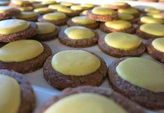"""Butterbrote Keks Rezept. Die Butterbrote sind ein bekanntes Rezept. Wer es """"nussig"""" und """"schokoladig"""" mag, der sollte diese Weihnachtskekse ausprobieren."""