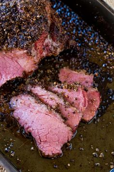 Main Dishes Easy Homemade Pastrami that tastes like your favorite deli sandwich without the high price tag using corned beef to skip the curing! Smoked Pastrami Recipe, Homemade Pastrami, Smoked Corned Beef, Corned Beef Brisket, Homemade Sandwich, Venison, Food Network, Meat Rubs, Beef Bacon