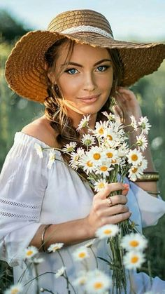 Girls With Flowers, Story Starters, Interesting Faces, Daisy, Daily News, Photography, Cottage, Beautiful, Daisies