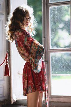 Kimono boho style fashion inspiration outfit ideas red print