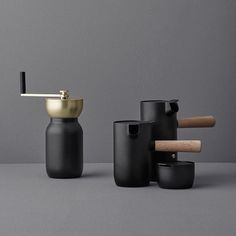 Italian design duo Daniel Debiasi and Federico Sandri, of #SomethingDesignStudio created the perfect collection for #coffee connoisseurs to help bring back that sacred ritual of brewing your own coffee. Designed for @Steltondesign, Collar includes an Italian cooktop #espresso maker, a coffee grinder with jar, a milk jug, and a sugar bowl, to make it all happen. More  designmilk.com