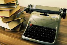 These tips can be applied to other writing projects, too. 10 Writing Tips for Your Direct Marketing Campaign. via The Agency Post Marketing Goals, Direct Marketing, Content Marketing Strategy, Seo Marketing, Online Marketing, Social Media Marketing, Digital Marketing, Cv Tips, Self Publishing
