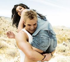 Kellan Lutz -Ashley Greene