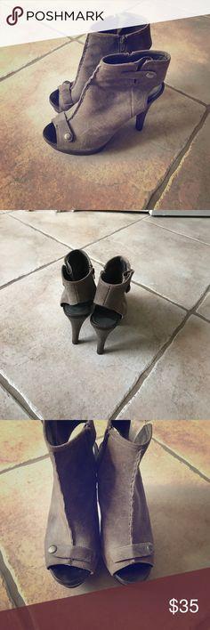 Fergie platform heels Fergie platform heels - Awesome warm grey! Fergie Shoes Heels