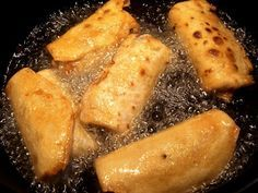 Illéskrisz Konyhája: KÍNAI TAVASZI TEKERCS Junk Food, Hungarian Recipes, Street Food, Yummy Treats, Vegan Recipes, Food And Drink, Meals, Chicken, Baking