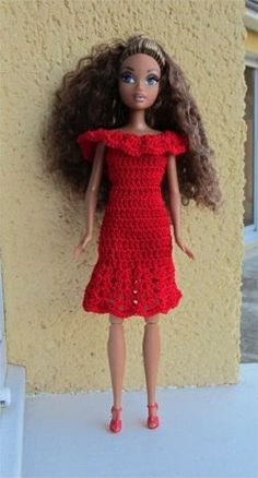 Passion Dolls: A dress for Barbie Knitting Dolls Clothes, Crochet Barbie Clothes, Doll Clothes Barbie, Barbie Dress, Knitted Dolls, Crochet Dolls, Barbie Doll, Barbie Patterns, Doll Clothes Patterns