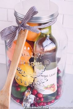 Aw how cool is this! DIY Gift Idea: Sangria for Friends housewarming for women new neighbor anyone! Who wouldn't love this! They can even use the drink dispenser again and again! Alcohol Gift Baskets, Alcohol Gifts, Wine Gift Baskets, Summer Gift Baskets, Halloween Gift Baskets, Halloween Gifts, Diy Christmas Gifts, Xmas, Gift Baskets For Women