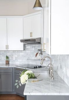 Awesome 65 Incredible Farmhouse Gray Kitchen Cabinet Design Ideas https://wholiving.com/65-incredible-farmhouse-gray-kitchen-cabinet-design-ideas