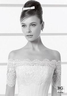 cfde3369b3 Bolero pentru rochia de mireasa de la Rosa Clara