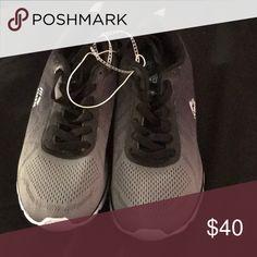 68fa923db4e RBX women s sneakers Size 6 (Brand New)