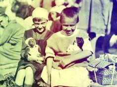 Вокруг Света за 919 дней, или Кругосветное путешествие петроградских детей в 1918-20 гг. /  Антонина Казимирчик  «Весной 1918 года Петроград был поражен голодом и болезнями. В мае Петроградская областная организация Всероссийского Союза Городов (был такой благотворительный союз дворян и помещиков) решила: надо спасать от вымирания хотя бы детей. Благотворители планировали отправить 11 тысяч детей в «хлебородные края Сибири» и юга России в так называемые детские питательные колонии» —…