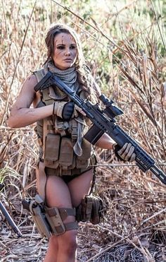 Outdoor Girls, Tough Girl, Military Women, Female Character Design, N Girls, Badass Women, Sexy Outfits, Guns, Lady
