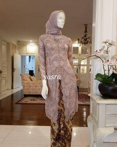 Gambar mungkin berisi: 1 orang, berdiri dan dalam ruangan Kebaya Muslim, Kebaya Modern Hijab, Model Kebaya Modern, Kebaya Hijab, Muslim Dress, Kebaya Brokat, Dress Brukat, Hijab Dress Party, Hijab Style Dress