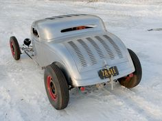 Rolling Bones built-hot-rod-1934-ford-coupe