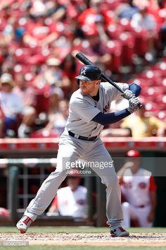 News Photo : Freddie Freeman of the Atlanta Braves bats during...