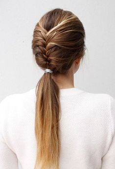 15 No Heat Hairstyles - Lil' Luna If you should be trying to find hairstyles Volleyball Hairstyles, Sporty Hairstyles, No Heat Hairstyles, Easy Hairstyles For Medium Hair, Trending Hairstyles, Summer Hairstyles, Medium Hair Styles, Braided Hairstyles, Natural Hair Styles