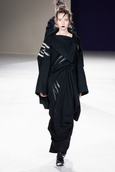 Yohji Yamamoto Fall 2019 Ready-to-Wear Collection - Vogue
