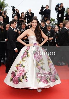 Sonam Kapoor attends the Premiere of 'Jeune Jolie' at The 66th Annual... News Photo 168876773 | Getty Images