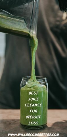 From the endless spectrum of green juices to green smoothies, green-based drinks are definitely trending these days, and with good reason! These are rich in nutrients and look easy to prepare all you have to do at home is throw the ingredients into the blender and it will detoxify your body and boost metabolism. #Healthygreensmoothierecipes #Greensmoothiedetox #Greensmoothiediet