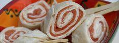 wraps with salmon and cheese Tortilla Wraps, High Tea, Pesto, Sushi, Salmon, Snacks, Ethnic Recipes, Food Ideas, Cheese