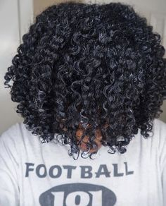 How to Achieve a Poppin' Wash and Go Every Time! - Naturally Madisen hair wash and go How to Achieve a Poppin' Wash and Go Every Time! Dyed Natural Hair, Pelo Natural, Natural Hair Tips, Natural Hair Journey, Natural Hair Styles, Natural Curls, Going Natural, Wash And Go, Natural Hair Transitioning