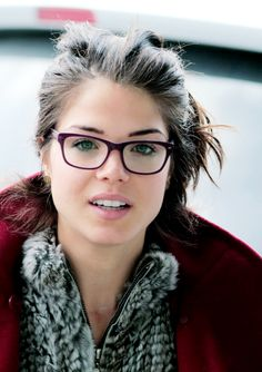 """Marie Avgeropoulos in glasses aka the best thing the internet has given me today. """