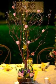 Centro de mesa en chamizos #Arreglosfloralesparamesa