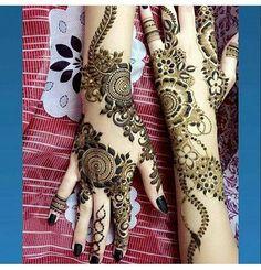 Brazilian mehndi design latest style looking amazing Simple Mehndi Designs Fingers, Modern Henna Designs, Floral Henna Designs, Finger Henna Designs, Mehndi Designs For Girls, Beautiful Henna Designs, Best Mehndi Designs, Henna Tattoo Designs, Khafif Mehndi Design
