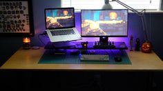 Laptop Gaming Setup, Computer Setup, Pc Setup, Desk Setup, Gaming Pc Build, Desktop, Bedroom Setup, Video Game Rooms, Workspace Inspiration