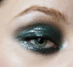 DIANA IONESCU// MAKE-UP ARTIST — Make-up tutorial: Glossy wet smokey eyes (editorial look)