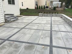 Concrete Paver Patio ~ Looks Like There May Be Pea Gravel Mulch Around The  Perimeter Plantings. | Paths And Patios | Pinterest | Concrete Pavers, ...