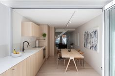 The Kitchen In This House Flows From Inside To Outside | Contemporist
