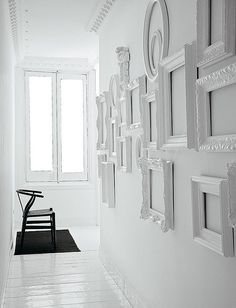 Great idea to use with MagScapes magnetic wallpapers and magnets. Using empty frames in the same colour as the wall to make decoration accents. A little different wall gallery display. Empty Frames, Frames On Wall, Painted Frames, Wall Collage, Wall Art, Nursery Frames, Framed Wall, Frame Collages, Empty Wall