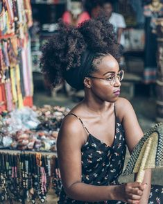Foulard cheveux crépus, Click web site other content Pelo Natural, Natural Hair Tips, Natural Hair Journey, Natural Hair Styles, Natural Updo, My Hairstyle, Afro Hairstyles, Black Girls Hairstyles, Black Hairstyle