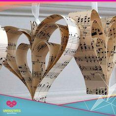 Corazones de pentagramas. Ideales para decorar el aula de música