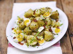 Aardappelsalade (lekkerder en vegetarisch als je zongedroogde tomaat gebruikt ipv bacon)