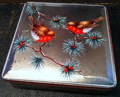 Vintage Huntley & Palmer Christmas Tin - Robins and Berries