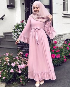 2019 hijab combinations pink long frilly flared dress cream heels shoes - Hijab combinations pink long ruffle flared skirt dress cream heels shoes the - Hijab Outfit, Hijab Style Dress, Hijab Mode, Mode Abaya, Abaya Fashion, Muslim Fashion, Mode Outfits, Fashion Outfits, Mode Kimono