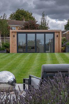 Small Garden Office Shed, Garden Bar Shed, Garden Lodge, Summer House Garden, Small Garden Design, Winter Garden, Outdoor Office, Backyard Office, Backyard Studio